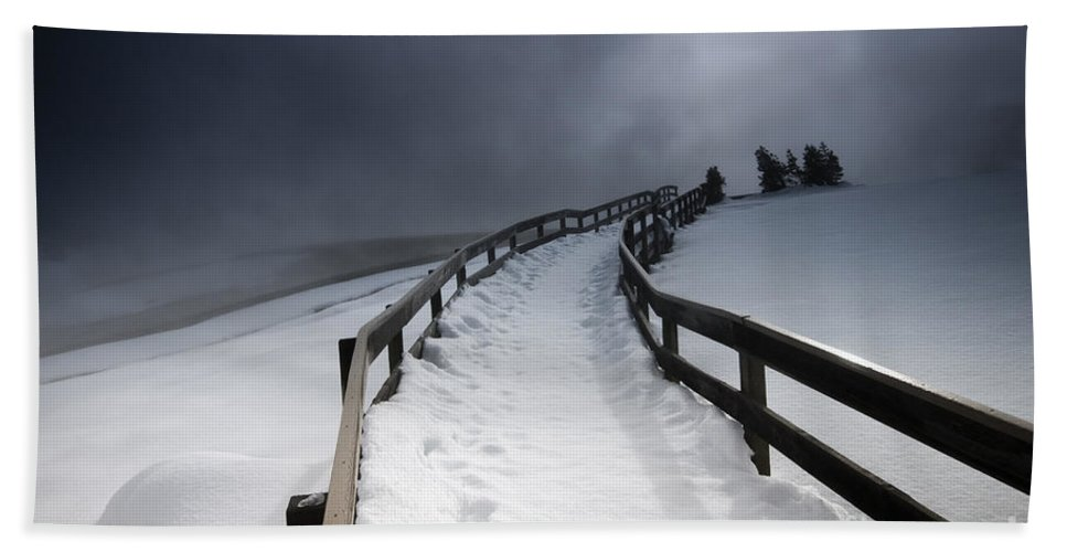 Winter Hand Towel featuring the photograph Snowy Pathway by David Lichtneker