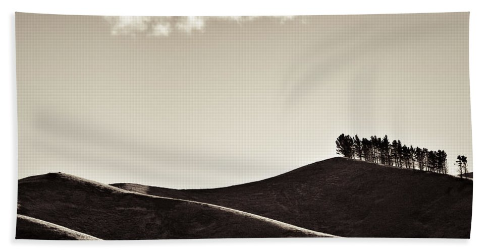 New Zealand Hand Towel featuring the photograph Solitary Cloud by Dave Bowman