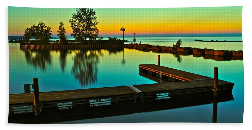 Sunset Bath Sheet featuring the photograph Soothing Sunset by Frozen in Time Fine Art Photography