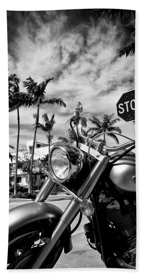 Bike Hand Towel featuring the photograph South Beach Cruiser by Dave Bowman