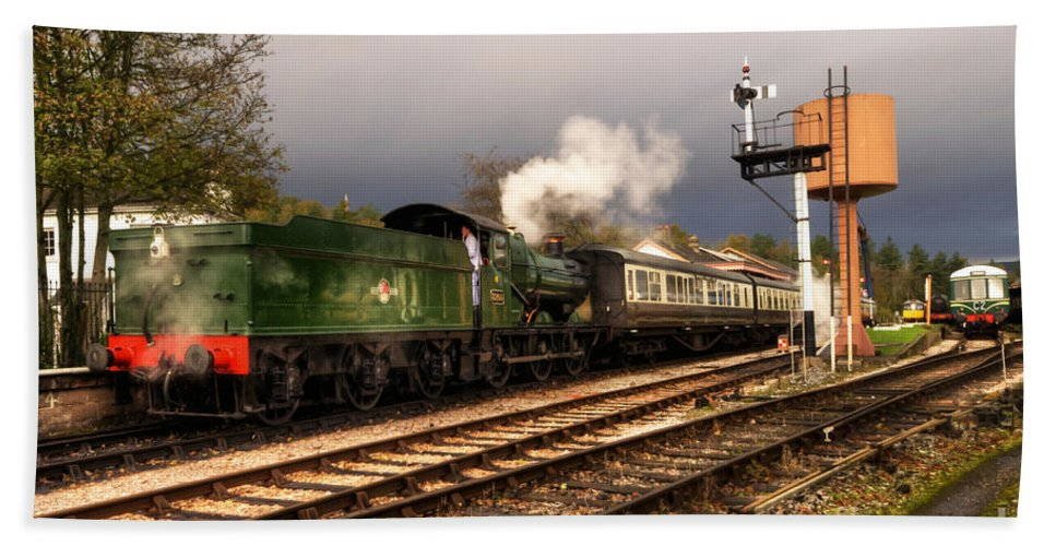 Buckfastleigh Bath Sheet featuring the photograph South Devon Departure by Rob Hawkins