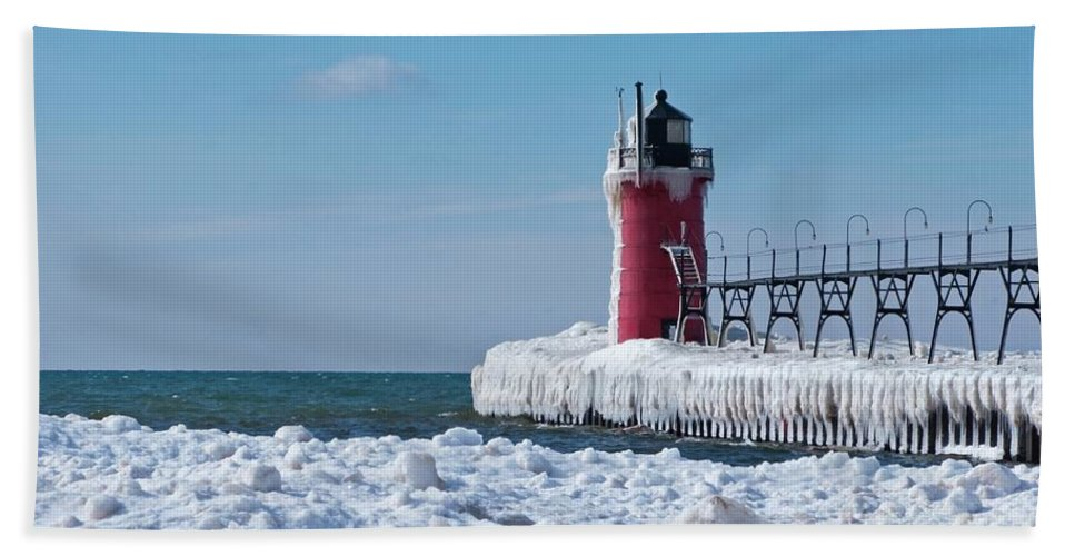 Lighthouse Bath Sheet featuring the photograph South Haven Ice by Ann Horn