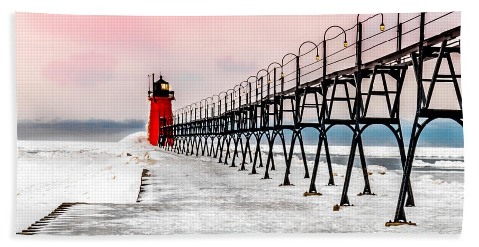 Optical Playground By Mp Ray Hand Towel featuring the photograph South Haven Light And Pier by Optical Playground By MP Ray