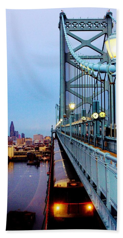 Philadelphia Hand Towel featuring the photograph Speedline by Benjamin Yeager