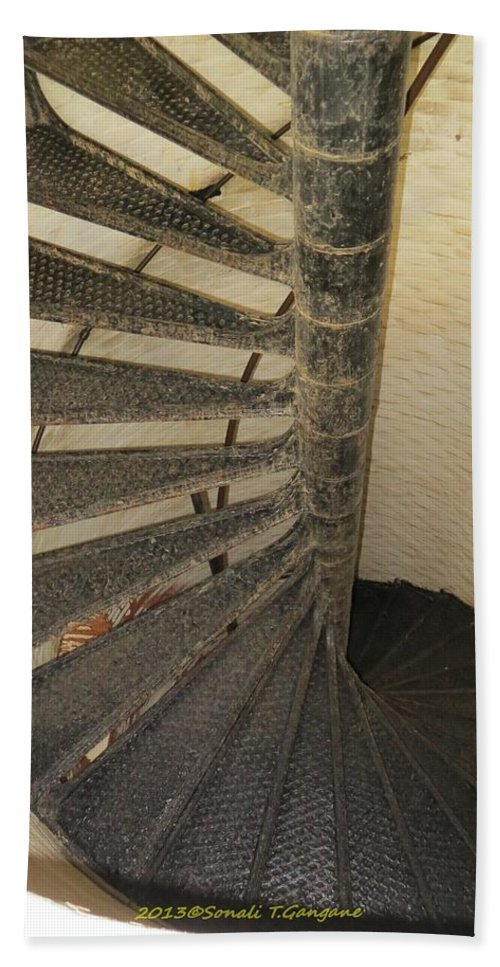 Lighthouse Staircase Bath Sheet featuring the photograph Spiralling Upwards by Sonali Gangane