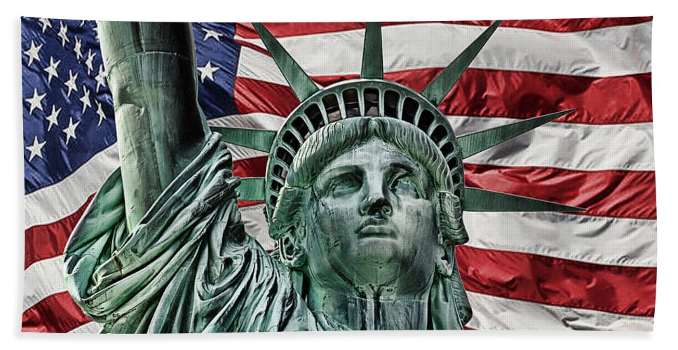Lady Liberty Bath Sheet featuring the photograph Spirit Of Freedom by Joachim G Pinkawa