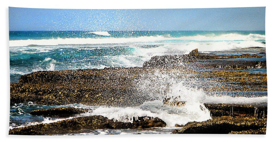 Sea Bath Sheet featuring the photograph Splashes At Sea by Ronel Broderick