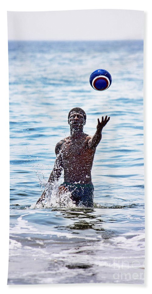 Soccer Bath Sheet featuring the photograph Splashing Around by Nishanth Gopinathan