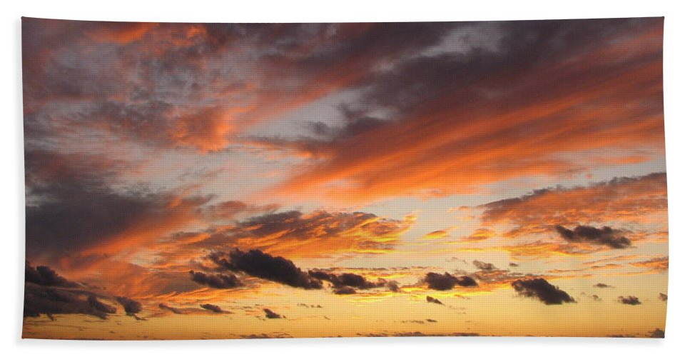Sunset Bath Sheet featuring the photograph Splendor In The Skies by Carla Parris