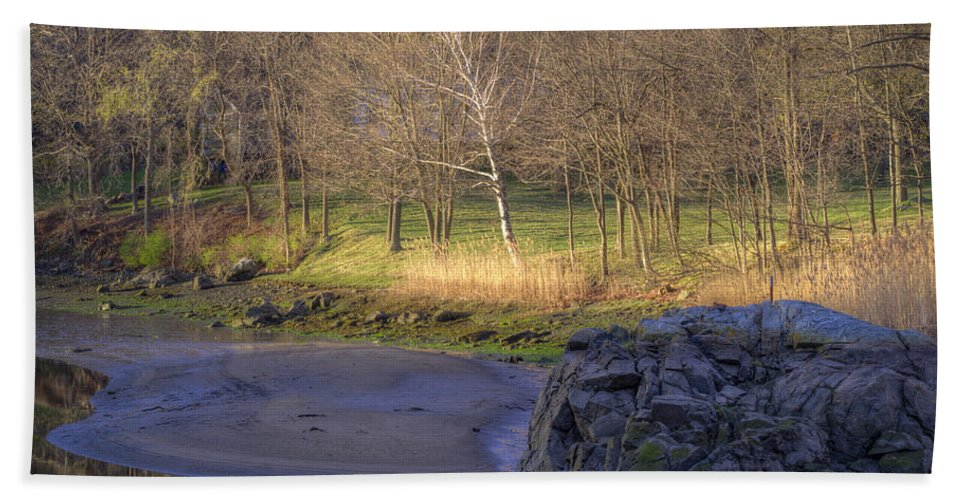Sunrise Hand Towel featuring the photograph Spring Sunrise At Ring Bolt Rock by David Stone