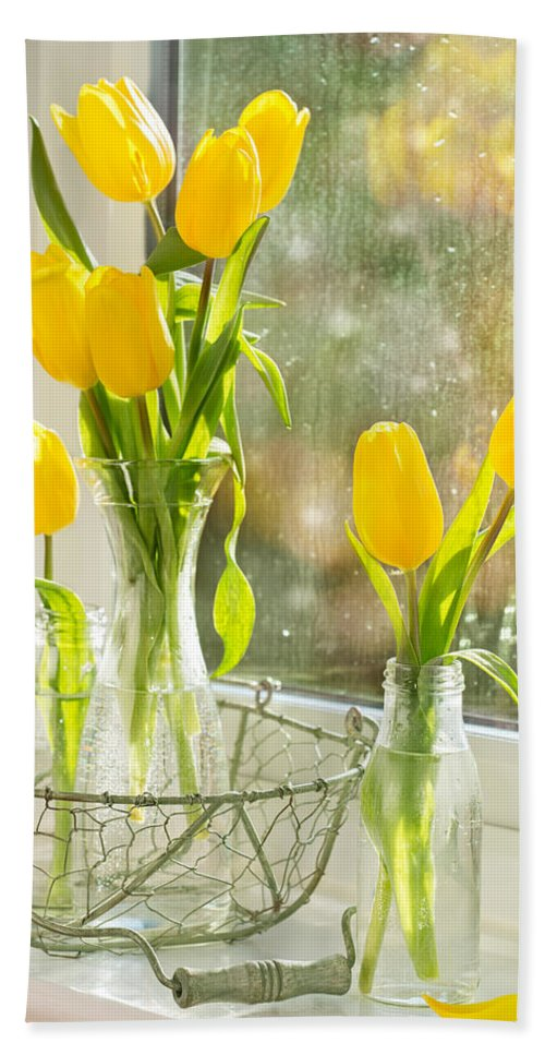 Tulip Hand Towel featuring the photograph Spring Tulips by Amanda Elwell