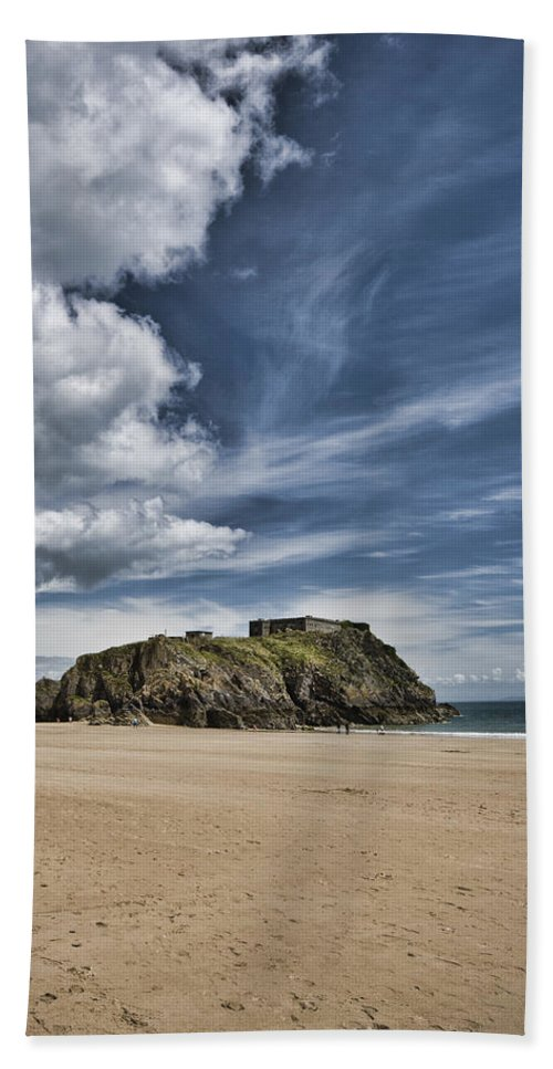 St Catherines Island Hand Towel featuring the photograph St Catherines Island 7 by Steve Purnell