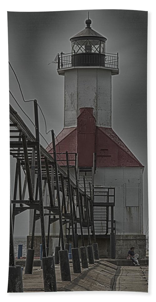North Pier Bath Sheet featuring the photograph St. Joseph North Pier Lighthouse Lake Michigan by Jack R Perry