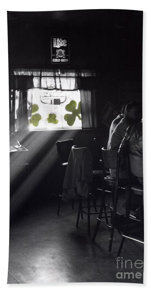 Hand Tinted Hand Towel featuring the photograph St. Patrick's Day At The Suffern Hotel by Cindy Roesinger