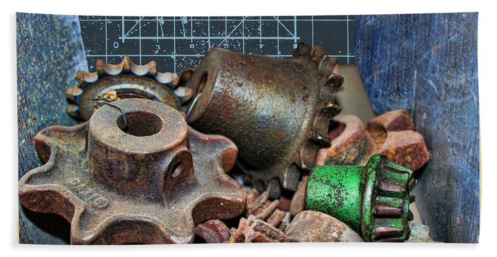 Gears Hand Towel featuring the photograph Star Gears by Sylvia Thornton