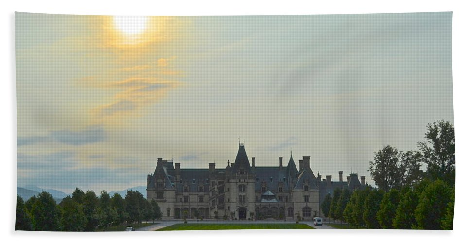 Buckingham Bath Sheet featuring the photograph Stately Castle by Frozen in Time Fine Art Photography