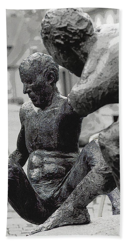 Statue Bath Sheet featuring the photograph 10401 I'm Hanging On by Colin Hunt
