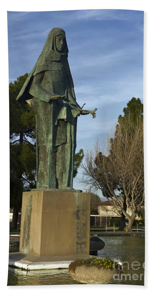Travel Hand Towel featuring the photograph Statue Of Saint Clare Santa Clara Calfiornia by Jason O Watson