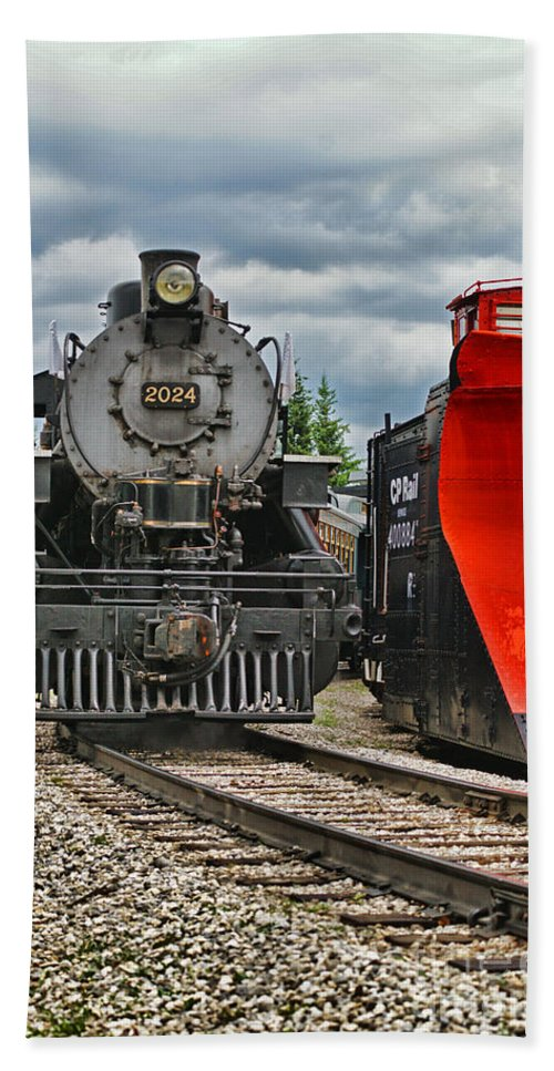 Trains Hand Towel featuring the photograph Steam Train Tr3637-13 by Randy Harris