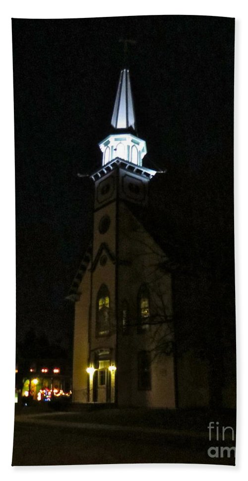 Mauricetown United Methodist Church Hand Towel featuring the photograph Steeple After Dark by Nancy Patterson