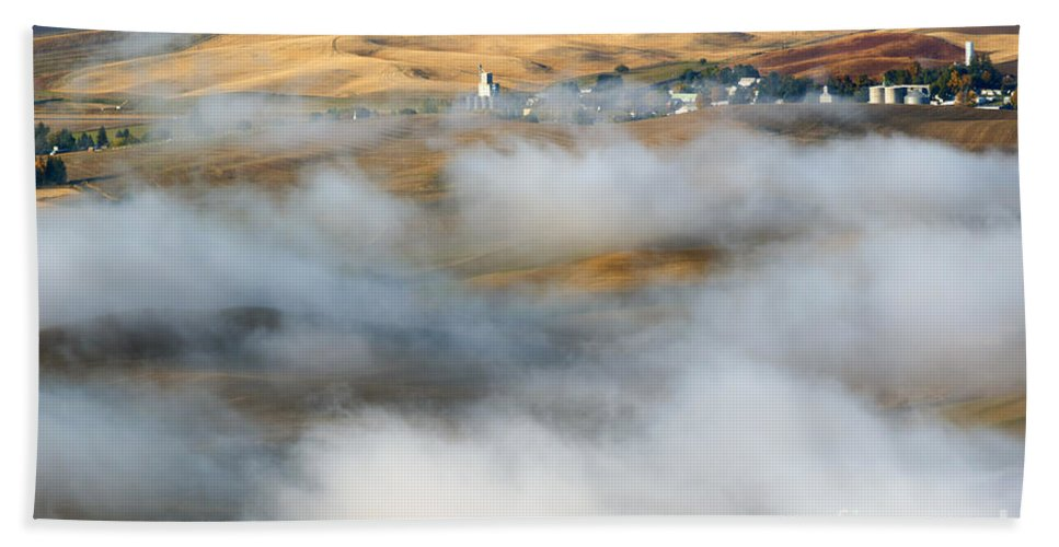 Palouse Bath Sheet featuring the photograph Steptoe Fog Clearing by Mike Dawson