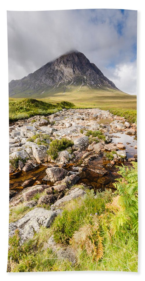 Buachaille Etive Mor Bath Sheet featuring the photograph Stob Dearg Peak by David Head