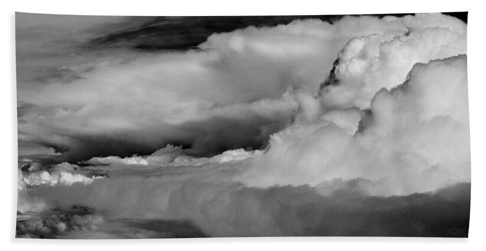 Cloud Bath Sheet featuring the photograph Storms Aloft B W by Steve Gadomski