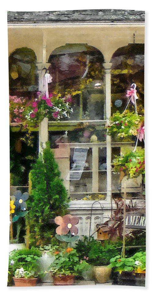 Flower Bath Sheet featuring the photograph Strasburg Flower Shop by Susan Savad