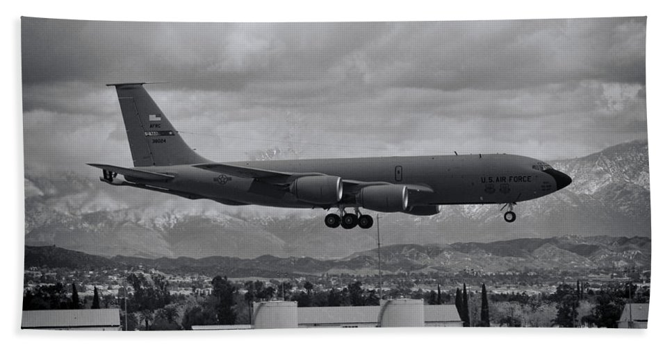 Boeing Kc-135 Stratotanker Hand Towel featuring the photograph Stratotanker by Tommy Anderson