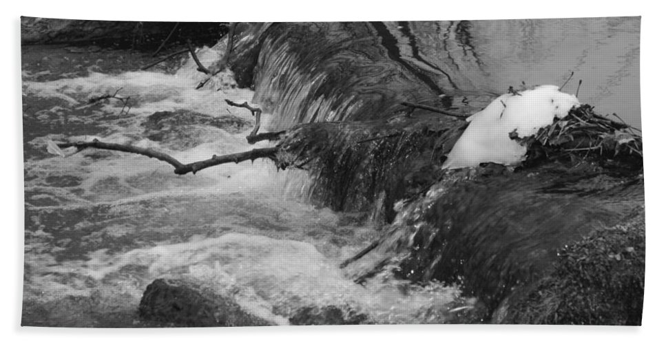 Stream Hand Towel featuring the photograph Stream Cascades Over Small Dam by Rob Luzier