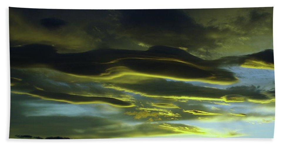 Clouds Hand Towel featuring the photograph Streaming Clouds by Jeff Swan