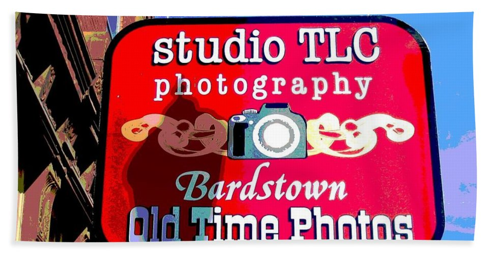 Computer Graphics Hand Towel featuring the photograph Studio Tlc In Bardstown Kentucky by Marian Bell
