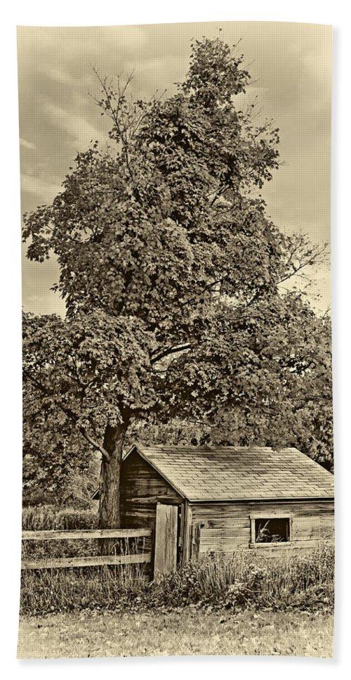 Pennsylvania Bath Sheet featuring the photograph Sugar Shack Sepia by Steve Harrington