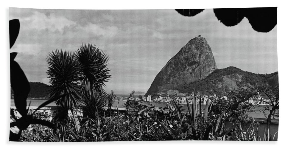 Exterior Bath Towel featuring the photograph Sugarloaf Mountain Seen From The Patio At Carlos by Luis Lemus