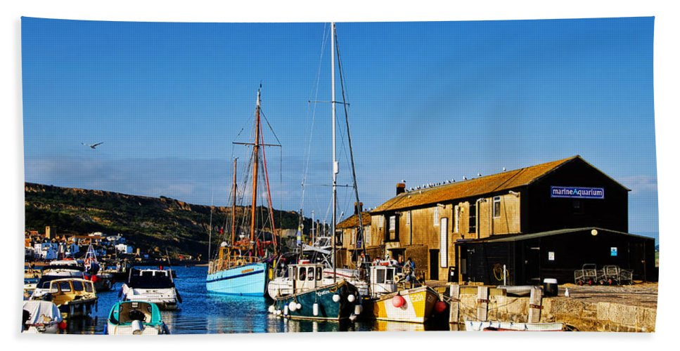 Lyme Regis Bath Sheet featuring the photograph Summer Evening At The Harbour by Susie Peek
