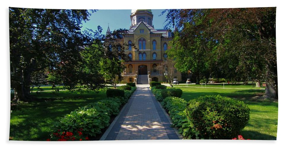 Summer On Notre Dame Campus Bath Towel featuring the photograph Summer On Notre Dame Campus by Dan Sproul