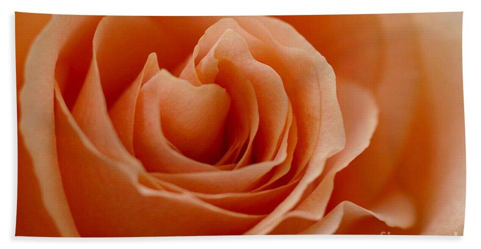 Peach Hand Towel featuring the photograph Summer Peach by Carol Lynch