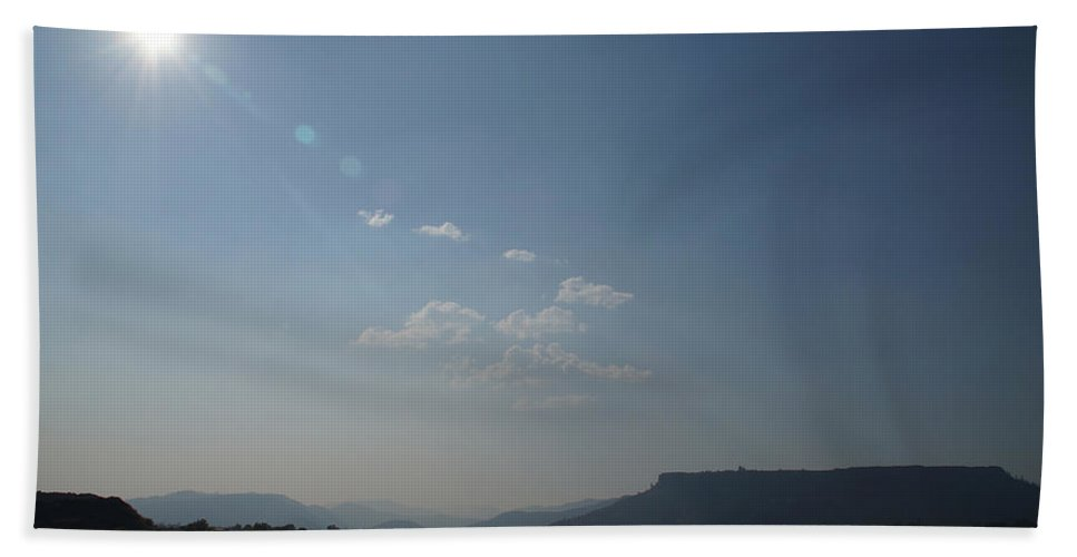 Summer Hand Towel featuring the photograph Summer Sun Over Table Rock by Mick Anderson