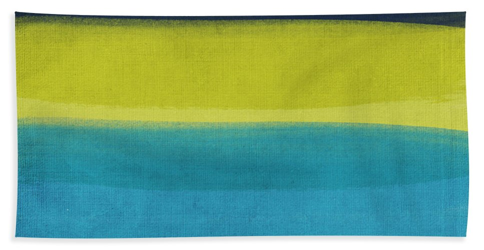 Abstract Bath Towel featuring the painting Sun and Surf by Linda Woods