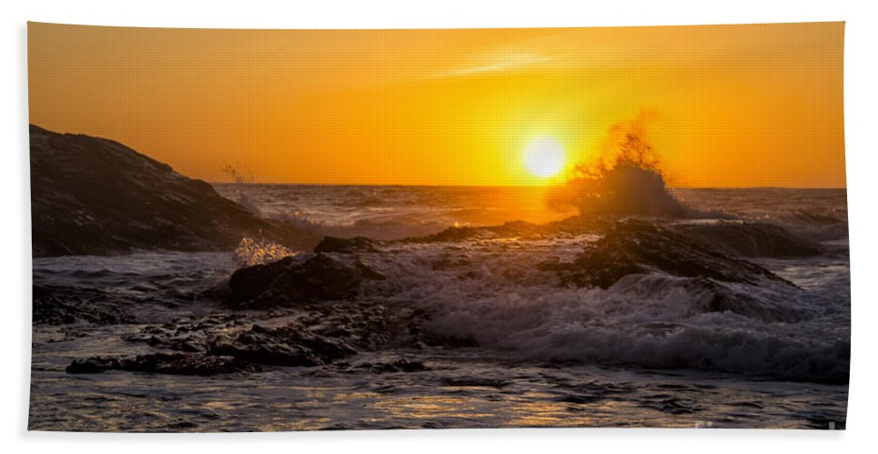 Los Osos Hand Towel featuring the photograph Sun Splash by Timothy Hacker