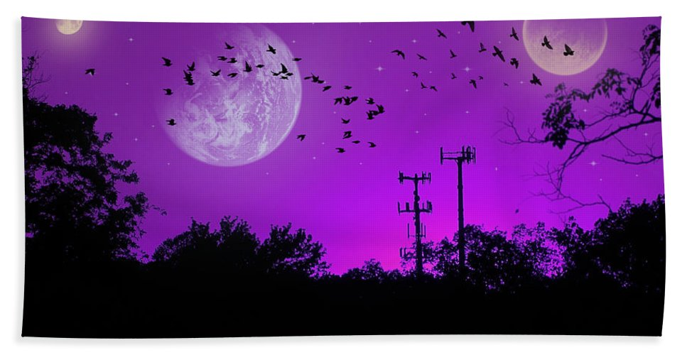 2d Hand Towel featuring the photograph Sundown Fantasy - Violet by Brian Wallace