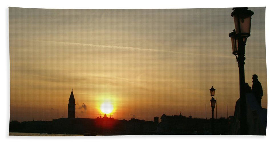 Sundown In Venice Hand Towel featuring the photograph Sundown In Venice by Ellen Henneke