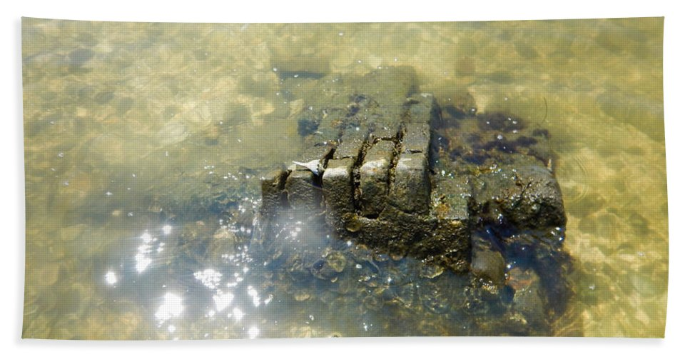 Core Sound Hand Towel featuring the photograph Sunken Glory by Paula OMalley