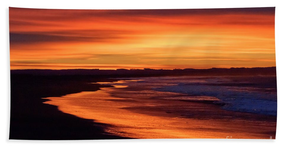 Beach Hand Towel featuring the photograph Sunrise At Damon Point by Anthony Mercieca