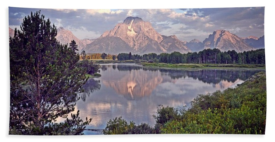 Grand Teton National Park Bath Sheet featuring the photograph Sunrise At Oxbow Bend 4 by Marty Koch