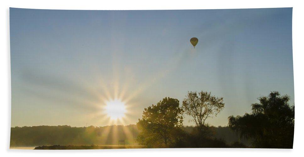 Sunrise Hand Towel featuring the photograph Sunrise Balloon Ride Over Lake Nockamixon by Bill Cannon