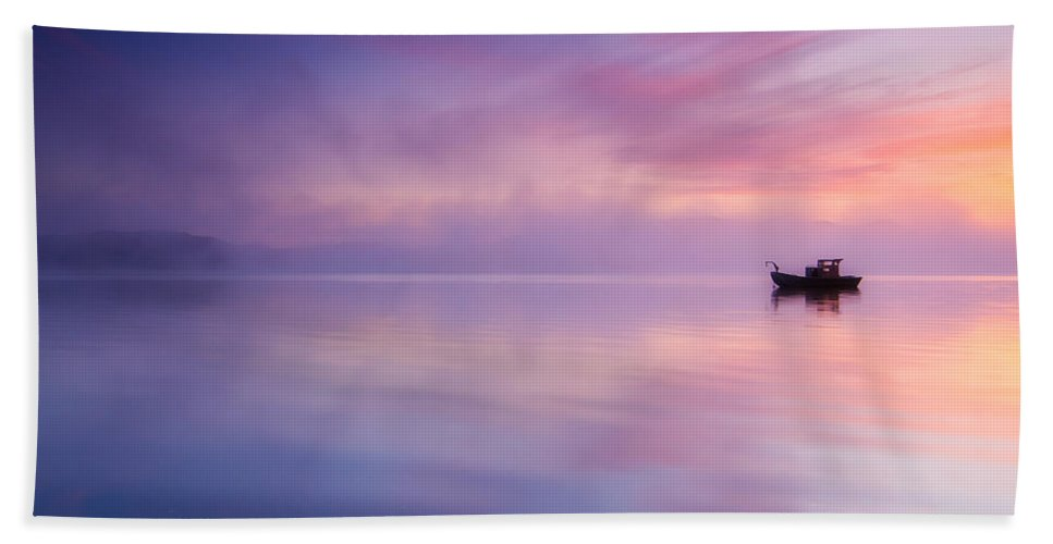 Sunrise Hand Towel featuring the photograph Sunrise Bay by Darren White