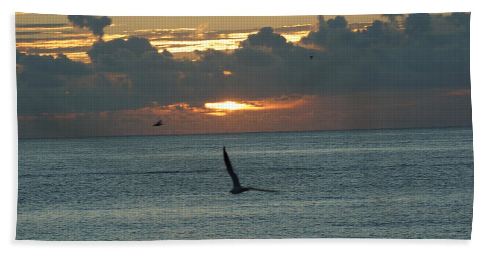 Sunrise Hand Towel featuring the photograph Sunrise In The Florida Riviera by Rafael Salazar