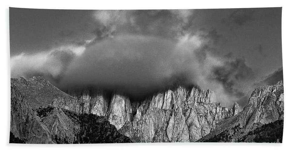North America Hand Towel featuring the photograph Sunrise On Mount Whitney Eastern Sierras California by Dave Welling