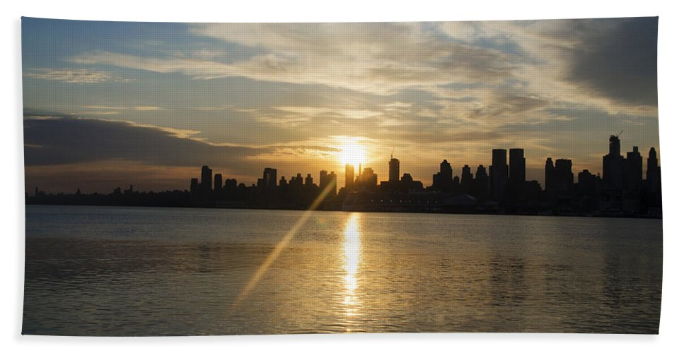 Sunrise Hand Towel featuring the photograph Sunrise On The Big Apple by Bill Cannon